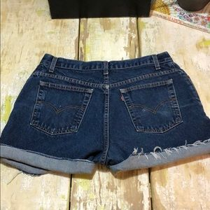 Levi's 550 cutoffs